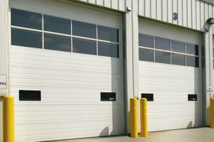 Aluminum garage door with Polycarbonate